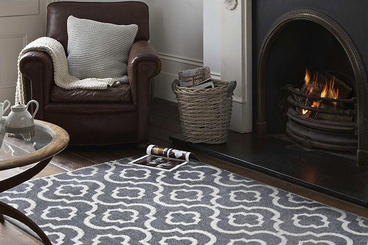 Zasady, dzięki którym dywan przed kominkiem będzie bezpiecznym dodatkiem