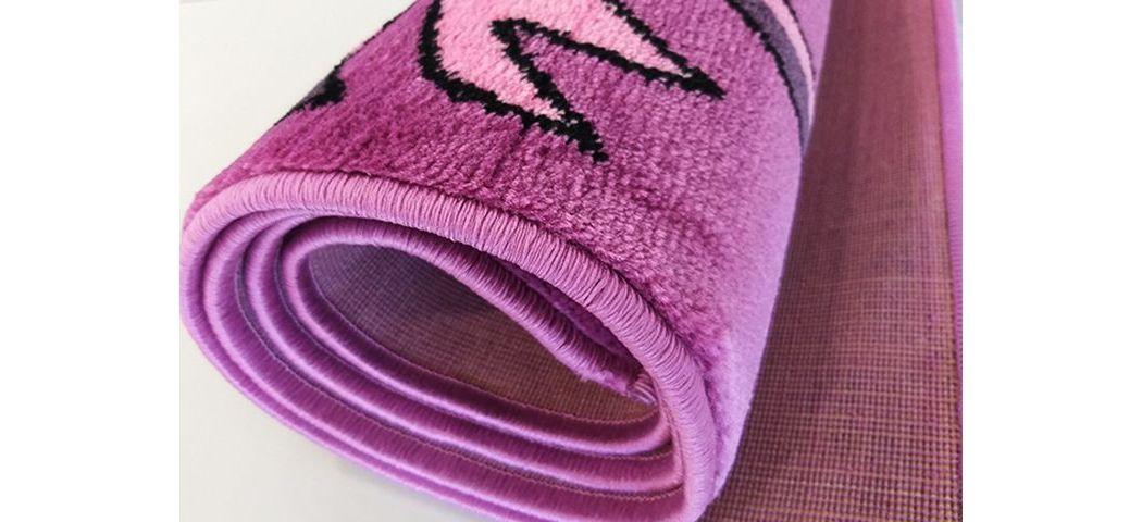 Jak zadbać o dywan, który został dostarczony w paczce?